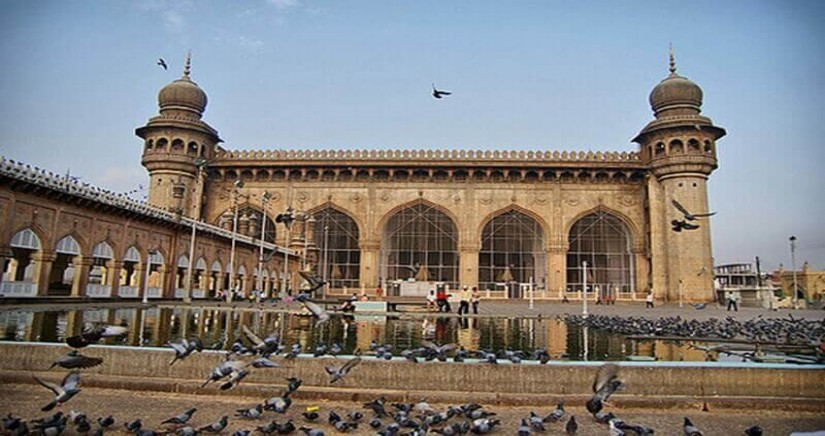 hop-on-hop-off-one-day-hyderabad-city-tour1.jpg